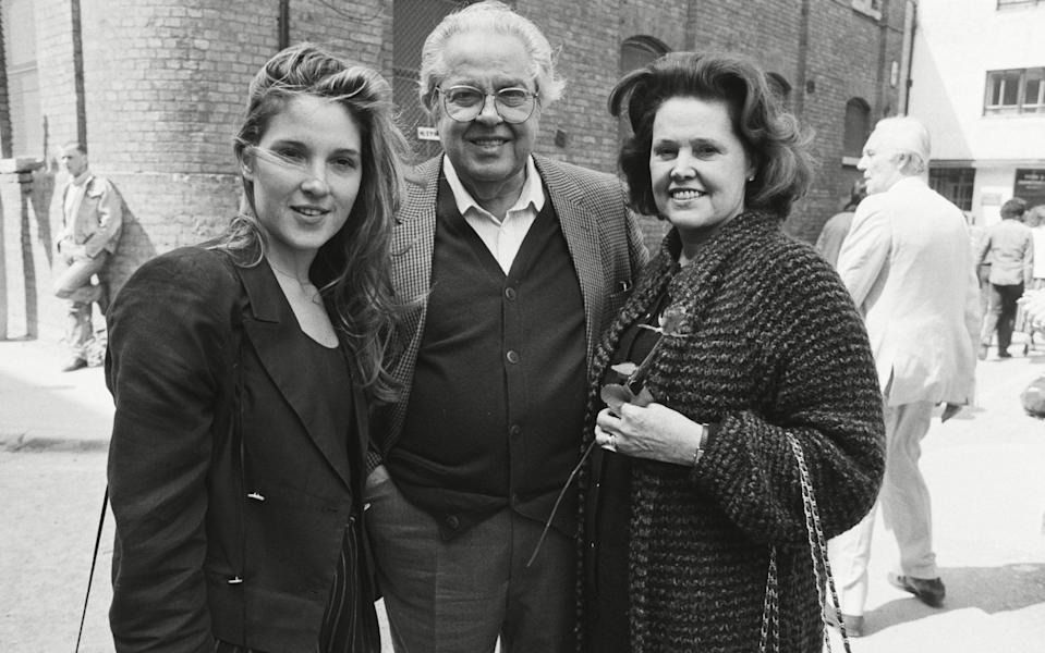Barbara Broccoli with her father Cubby and her mother Dana, in 1989 - Alan Davidson/Shutterstock