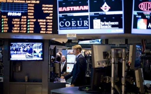 US stocks slip, paring strong gains on cliff deal