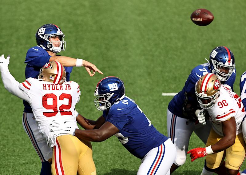 Daniel Jones, Giants self-destruct in 36-9 blowout loss to shorthanded 49ers