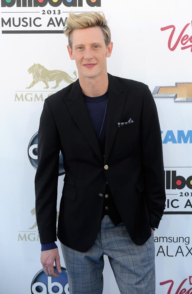 LAS VEGAS, NV - MAY 19:  Actor Gabriel Mann arrives at the 2013 Billboard Music Awards at the MGM Grand Garden Arena on May 19, 2013 in Las Vegas, Nevada.  (Photo by David Becker/Getty Images)