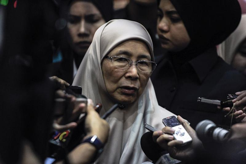 Deputy Prime Minister Datuk Seri Wan Azizah Wan Ismail speaks to reporters at the Putrajaya International Convention Centre September 19, 2018. — Picture by Shafwan Zaidon