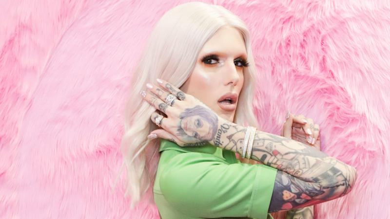 Jeffree Star Responded to Claims of Hair-Like Fibers Found in Eye Shadow Palettes He Created With Shane Dawson