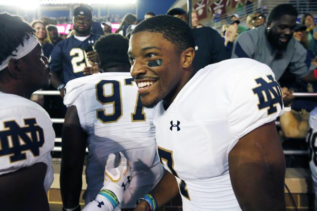"Notre Dame's <a class=""link rapid-noclick-resp"" href=""/ncaaf/players/245085/"" data-ylk=""slk:Nick Watkins"">Nick Watkins</a> is immediately eligible in 2018. (AP Photo/Michael Dwyer)"
