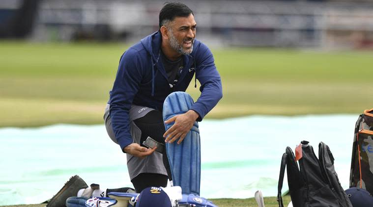MS Dhoni, MS Dhoni batting, India vs Australia, Ind vs Aus, Ind vs AUS 1st ODI, MS Dhoni stumping, India vs Australia ODI series, cricket news, sports news