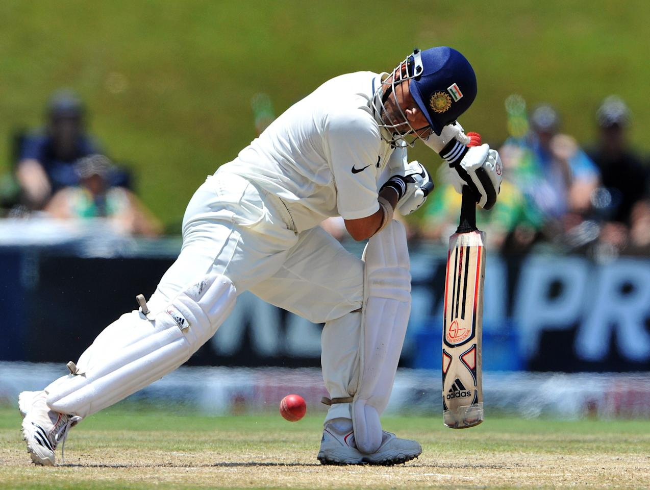 CENTURION, SOUTH AFRICA - DECEMBER 19: Sachin Tendulkar of India plays a defensive shot  during day 4 of the 1st Test match between South Africa and India, at SuperSport Park on December 19, 2010 in Centurion, South Africa (Photo by Duif du Toit/Gallo Images/Getty Images)