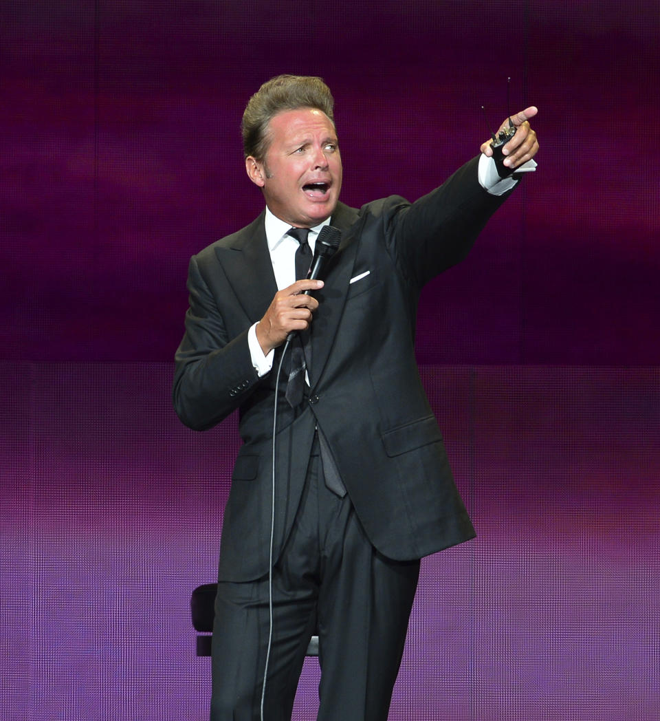 MIAMI, FL - JUNE 01: Mexican singer Luis Miguel performs during a show as part of the 'Mexico por Siempre' Tour at American Airlines Arena on June 01, 2018 in Miami, Florida. Credit: MPI10 / MediaPunch /IPX