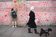 <p>El visitante tarda aproximadamente unos 10 minutos en recorrer el muro. (Photo by Victoria Jones/PA Images via Getty Images)</p>