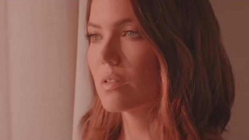 Mandy Moore Is Returning To Her Musical Roots With Her First Single In 10 Years
