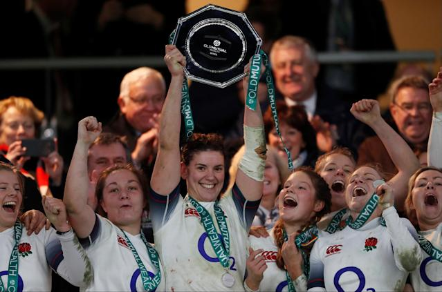 Rugby Union - Women's International - England vs Canada - Twickenham Stadium, London, Britain - November 25, 2017 England's Captain Sarah Hunter lifts the trophy at the end of the match Action Images via Reuters/Paul Childs