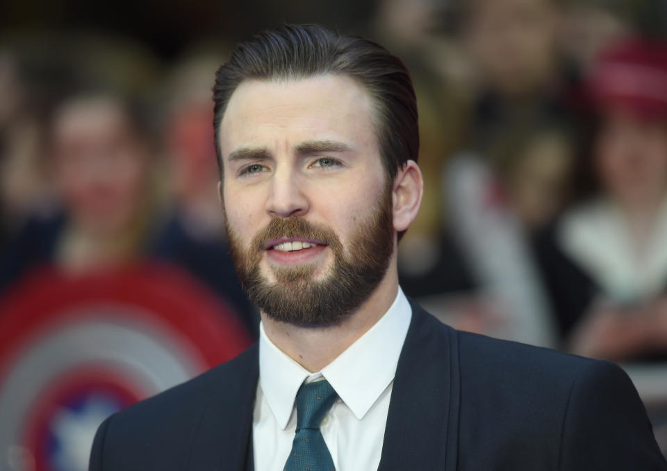 """Actor Chris Evans arrives at the European premiere of """"Captain America, Civil War"""" at a shopping centre in east London, Britain April 26, 2016. REUTERS/Toby Melville"""