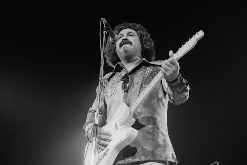 """<p>The Mexican/American singer/guitarist had two top 10 hits, both in 1975: """"Before The Next Teardrop Falls"""" (which hit No. 1) and """"Wasted Days And Wasted Nights."""" Fender, who was born in San Benito, Tex., died in 2006. (Photo: Michael Putland/Getty Images)<br></p>"""