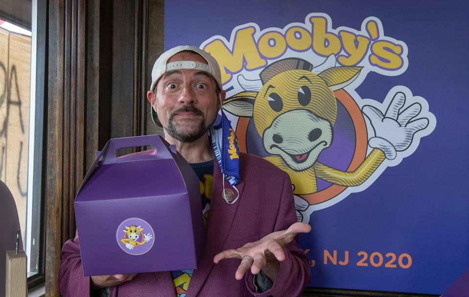 Kevin Smith is bringing his Mooby's pop-up restaurant to six cities after runs in New Jersey, Los Angeles and now Phoenix.