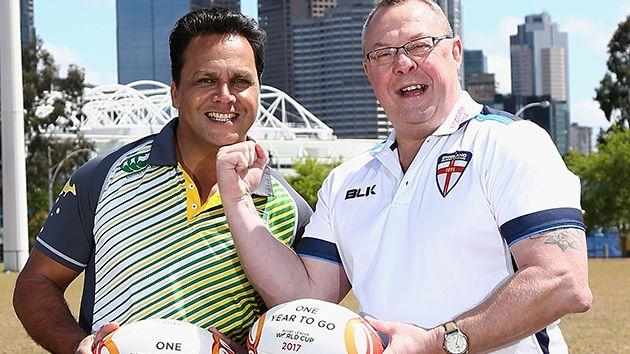 Schofield (R) with Aussie great Steve Renouf. Image: Getty