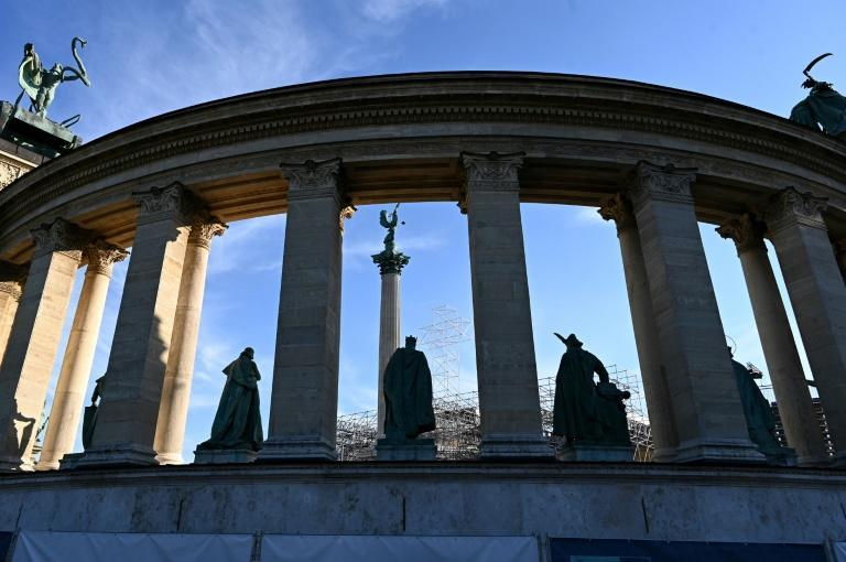 Pope Francis will celebrate mass in Budapest's Heroes Square (AFP/ATTILA KISBENEDEK)