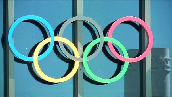 "The Kremlin says it welcomes the International Olympic Committee's (IOC) ruling against a blanket ban on Russian athletes at the next month's Olympics.   The IOC added the decision to ban athletes from Rio would be the responsibility of individual sports federations.   Russian track and field athletes are not affected by the ruling and are still banned.   But the country's sports minister wants clean athletes to be allowed to go to Rio.     Russian athletes with a history of doping are not eligible to compete, but those from other countries are.   The head of Russia's national olympic committee said he is working on a list of athletes involved in previous doping abuse cases.   Alexander Zhukov said : ""We need literally in the next couple of hours and days to do this work with the international federations on each individual athlete. So that the international federations can present such lists.""   There was bad news for Russia's swimmers. FINA, the swimming federation has banned seven Russian swimmers from competing.    The governing body said in a statement that it supports the IOC's decision in respect of the participation of so-called clean Russian athletes."