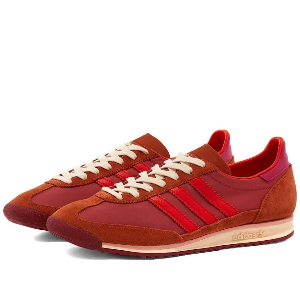 "<p><strong>Adidas</strong></p><p>endclothing.com</p><p><strong>$155.00</strong></p><p><a href=""https://go.redirectingat.com?id=74968X1596630&url=https%3A%2F%2Fwww.endclothing.com%2Fus%2Fadidas-x-wales-bonner-sl72-fx7502.html&sref=https%3A%2F%2Fwww.townandcountrymag.com%2Fstyle%2Fmens-fashion%2Fnews%2Fg986%2Fgift-ideas-for-men%2F"" rel=""nofollow noopener"" target=""_blank"" data-ylk=""slk:Shop Now"" class=""link rapid-noclick-resp"">Shop Now</a></p><p>Black designer Grace Wales Bonner totally nails men's fashion and these punchy kicks are no exception. </p>"