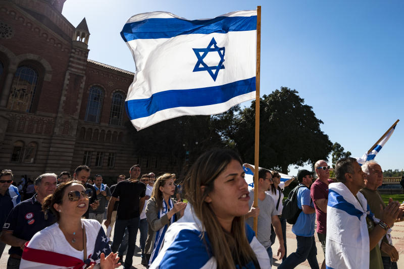 Members of the Jewish community and their allies protest anti-Semitism and the upcoming National Students for Justice in Palestine conference at the UCLA campus in Los Angeles, California on November 6, 2018. The Los Angeles City Council called on UCLA to cancel the NSJP conference over fears that it will promote anti-Semitism. (Photo: Ronen Tivony/NurPhoto via Getty Images)
