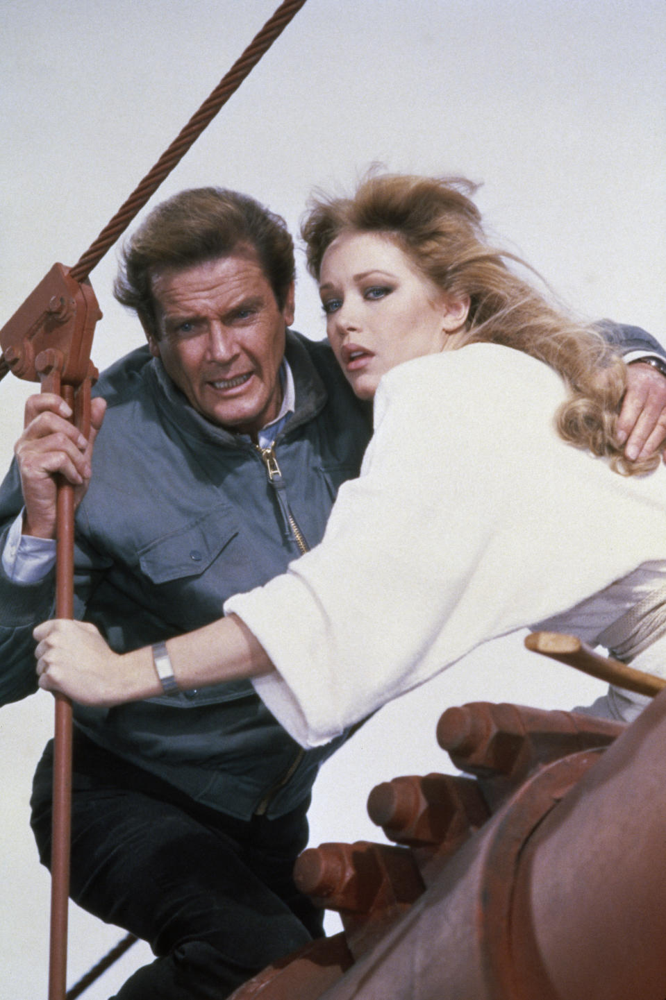 British actor Roger Moore and American actress Tanya Roberts on the set of the James Bond 007 film A View to a Kill, directed by John Glen. (Photo by Nancy Moran/Sygma via Getty Images)