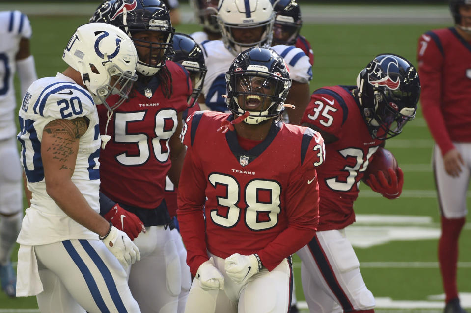 texans-re-sign-buddy-howell-1-year-deal