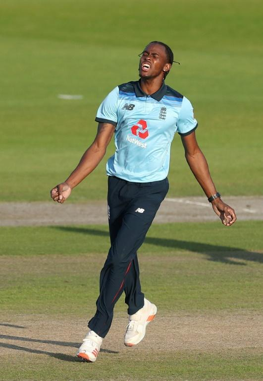 England's Jofra Archer celebrates dismissing Australia's Marcus Stoinis during the 2nd ODI at Old Trafford