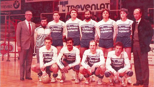 Jimmy George (fifth from left, standing) with his team in Italy. Image Courtesy: Sebastian George