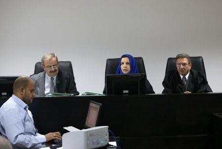 Palestinian judges discuss a petition to suspend municipal elections, at the High Court office in the West Bank city of Ramallah September 8, 2016. REUTERS/Mohamad Torokman