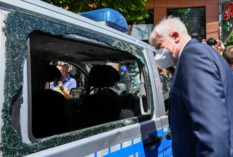"""German Interior Minister Horst Seehofer called the Stuttgart violence a """"sign of alarm for the rule of law"""""""