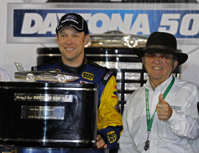 "<a class=""link rapid-noclick-resp"" href=""/nascar/sprint/drivers/81/"" data-ylk=""slk:Matt Kenseth"">Matt Kenseth</a> won the 2012 Daytona 500 for Roush Fenway Racing. He left the team at the end of that season for Joe Gibbs Racing. (AP Photo/Terry Renna, File)"