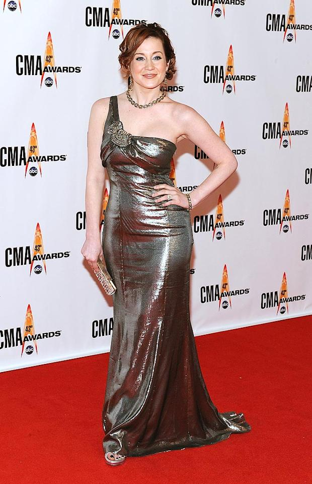 """Kellie Pickler  Grade: B  The self-proclaimed ditz was nearly unrecognizable in a copper coif and bronze one-shoulder gown. Frederick Breedon/<a href=""""http://www.gettyimages.com/"""" target=""""new"""">GettyImages.com</a> - November 11, 2009"""