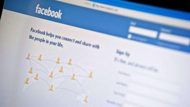 PHOTO: View of the Facebook homepage. (Nicholas Kamm/AFP via Getty Images)