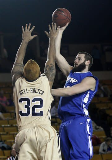 Oral Roberts wins 10th in row, downs IPFW 65-54