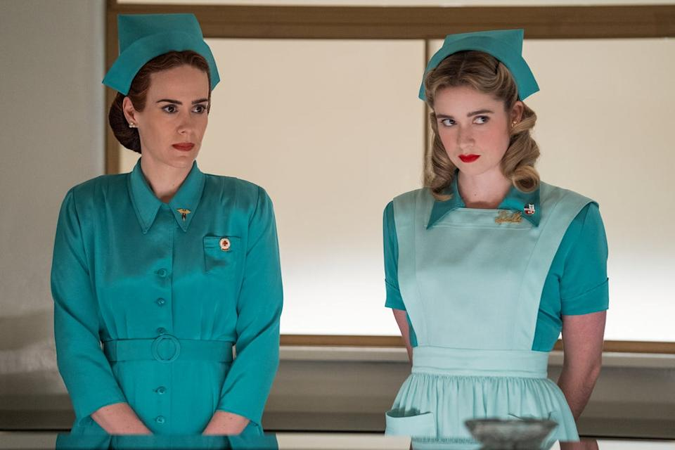 RATCHED (L to R) SARAH PAULSON as MILDRED RATCHED and ALICE ENGLERT as NURSE DOLLY in episode 101 of RATCHED Cr. SAEED ADYANI/NETFLIX © 2020