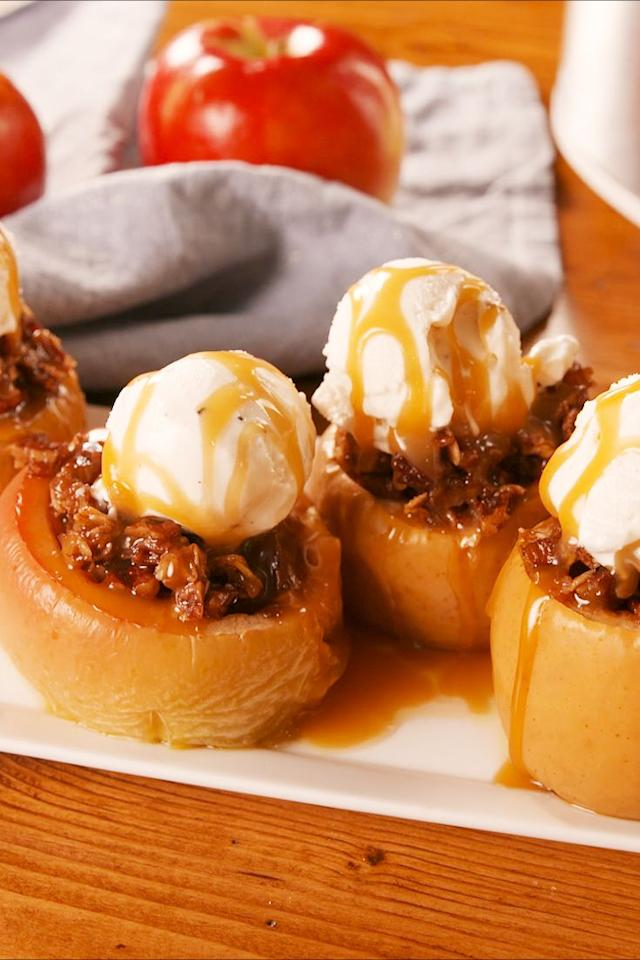 "<p>The secret to making the best baked apples. </p><p>Get the recipe from <a href=""https://www.delish.com/cooking/recipe-ideas/a23459908/crock-pot-baked-apples-recipe/"" target=""_blank"">Delish</a>. </p>"