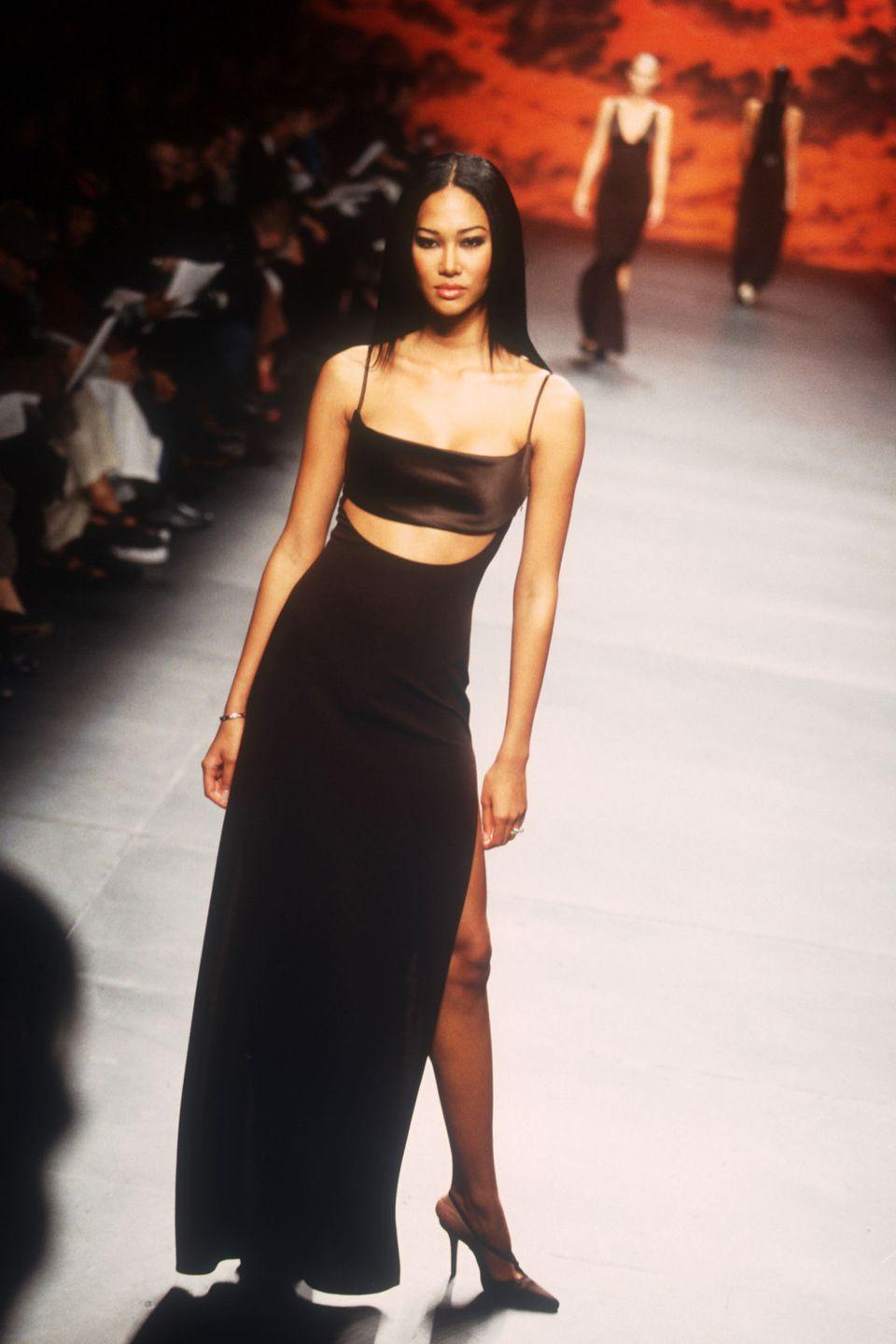 """<p>In her early teen years, Karl Lagerfeld <a href=""""https://www.yahoo.com/lifestyle/kimora-lee-simmons-positioning-baby-110000558.html"""" data-ylk=""""slk:awarded;outcm:mb_qualified_link;_E:mb_qualified_link;ct:story;"""" class=""""link rapid-noclick-resp yahoo-link"""">awarded</a> Simmons with a modeling contract for the luxury fashion house Chanel. Her modeling career quickly gained speed after that. </p>"""