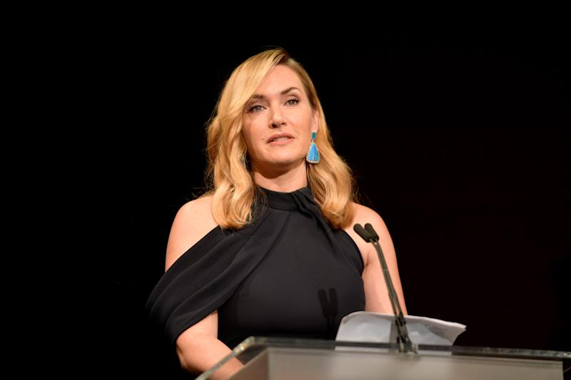 BEVERLY HILLS, CA - NOVEMBER 09: Honoree Kate Winslet accepts the Actors Inspiration Award onstage at the SAG-AFTRA Foundation Patron of the Artists Awards 2017 at the Wallis Annenberg Center for the Performing Arts on November 9, 2017 in Beverly Hills, California. (Photo by Matt Winkelmeyer/Getty Images for SAG-AFTRA Foundation )