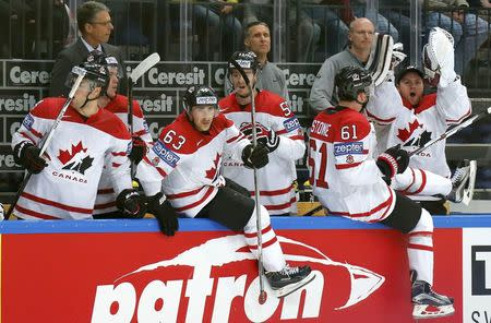 Ice Hockey - 2016 IIHF World Championship - Semi-final - Canada v USA - Moscow, Russia - 21/5/16 - Canada's players celebrate their victory against the U.S. REUTERS/Maxim Shemetov