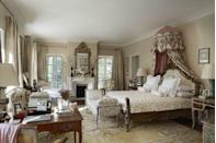 """<p>This south <a href=""""https://www.veranda.com/decorating-ideas/a26976859/provence-farmhouse-transforms-beautiful-gardens/"""" rel=""""nofollow noopener"""" target=""""_blank"""" data-ylk=""""slk:France farmhouse"""" class=""""link rapid-noclick-resp"""">France farmhouse </a>renovated by design legend <a href=""""https://www.veranda.com/decorating-ideas/g25422817/0052-0063-shell-games-january-2019/"""" rel=""""nofollow noopener"""" target=""""_blank"""" data-ylk=""""slk:Bunny Williams"""" class=""""link rapid-noclick-resp"""">Bunny Williams</a> both speaks to its historic beginnings while embracing New Age design. In the master bedroom, Williams uses a Lee Jofa stripe for both the curtains and walls. The room is filled with antiques from global markets: a French mirror and desk and a Romanian rug. The bed linens can be found at <a href=""""https://fave.co/2L0JuAy"""" rel=""""nofollow noopener"""" target=""""_blank"""" data-ylk=""""slk:Julia B"""" class=""""link rapid-noclick-resp"""">Julia B</a>.</p>"""