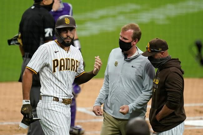 Padres put Hosmer on IL with broken finger, out 2-3 weeks