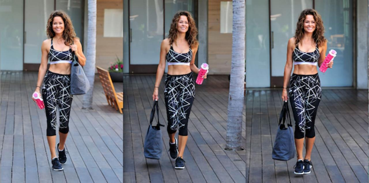 Brooke Burke-Charvet leaves a morning workout, wearing 2(X)IST activewear, looking toned  fit as always.