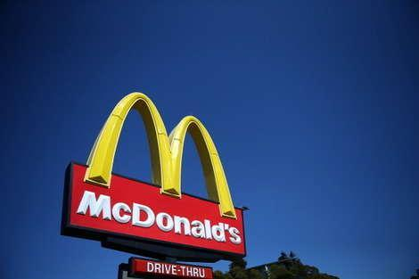 Science Teacher Loses Close to 40 Pounds by Only Eating McDonald's for 3 Months
