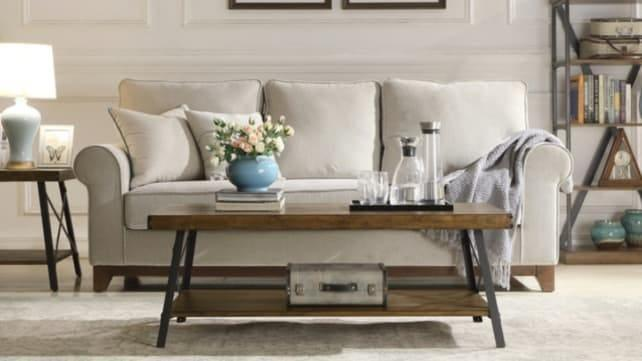 Get access to furniture and industry professionals at this online-only shop