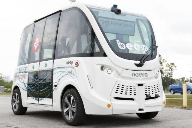 Self-driving shuttle carrying COVID-19 tests at Mayo Clinic in Florida