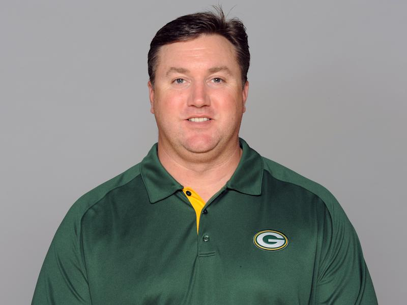 Van Pelt's new task with Pack: challenging Rodgers