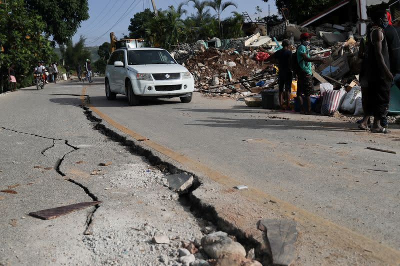 Aftermath of quake, in Marceline