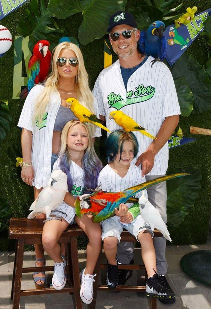 Jessica Simpson and Eric Johnson with children | Jessica Simpson/instagram