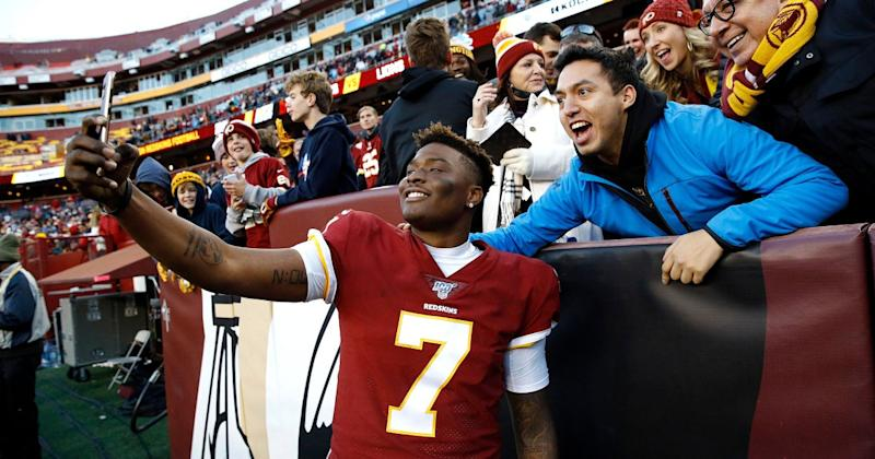 Washington Redskins Quarterback, 22, Accidentally Misses Final Play to Take a Selfie with a Fan