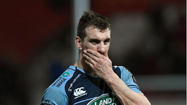 Sam Warburton picked up a worrying knee injury as Cardiff Blues secured a 24-24 draw in a thrilling Pro 12 encounter with Ulster.