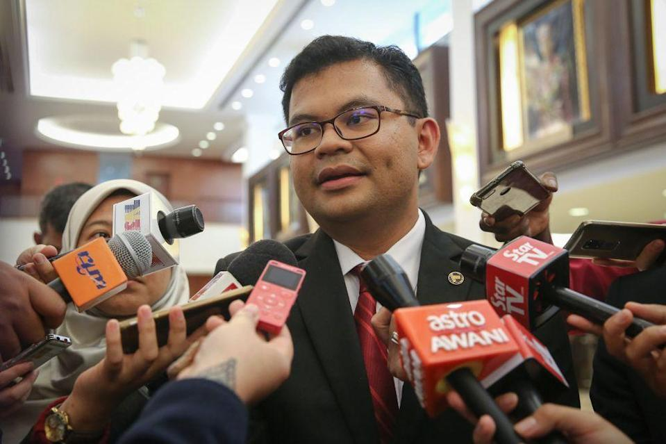 Johor Baru MP Akmal Nasrullah Mohd Nasir says the coming Parliament sitting should discuss on issues faced by the people where their livelihood had been impacted during the. ― Picture by Yusof Mat Isa