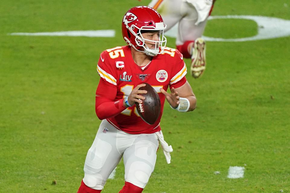 MIAMI GARDENS, FL - FEBRUARY 02: Kansas City Chiefs quarterback Patrick Mahomes (15) in game action during the Super Bowl LIV game between the Kansas City Chiefs and the San Francisco 49ers on February 2, 2020 at Hard Rock Stadium, in Miami Gardens, FL. (Photo by Robin Alam/Icon Sportswire via Getty Images)