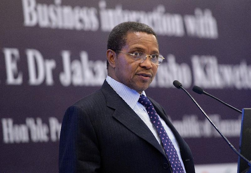 Tanzanian president Jakaya Kikwete delivers a speech during a business meeting in New Delhi on June 18, 2015